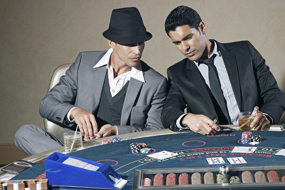 casino 1107736 960 720 2 - Mikä live-välittäjän kasinovedonlyönti oikeastaan on?